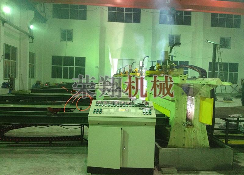 耐磨板自动堆焊机